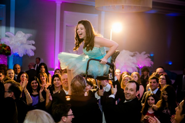 bat-mitzvah-chair-lift