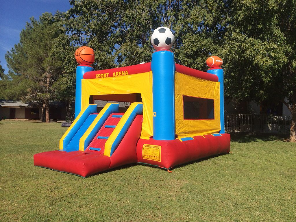 """Sport Arena Bounce house"" by Azbounce4kids. This file is licensed under the Creative Commons Attribution-Share Alike 3.0 Unported license."