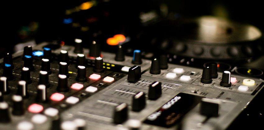 dj-mix-picjumbo-com